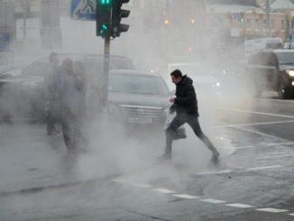 Летом без воды, зимой без отопления: почему в Киеве часто трубы разрываются